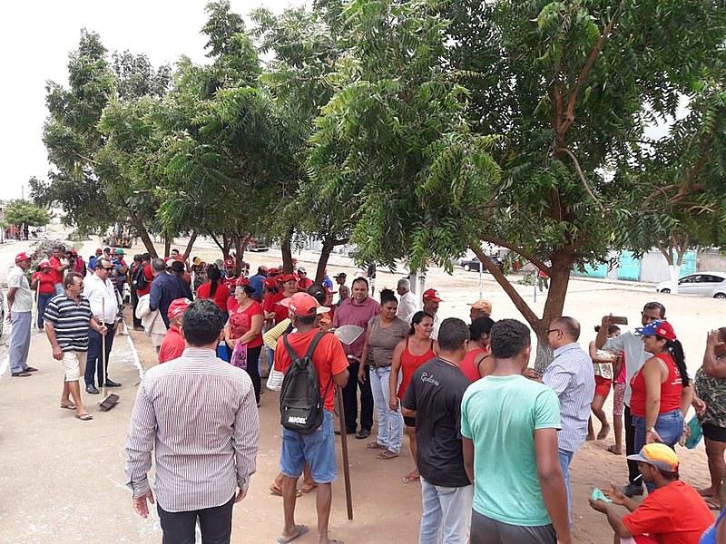 Mutirão contou com a participação de cerca de 160 homens e mulheres acampados e assentados na zona rural do município
