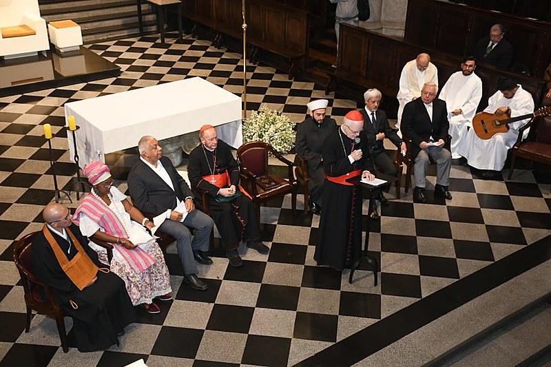 Representantes de diversas religiões estiveram presentes na Catedral da Sé, em São Paulo, para apoiar a realização do Sínodo da Amazônia