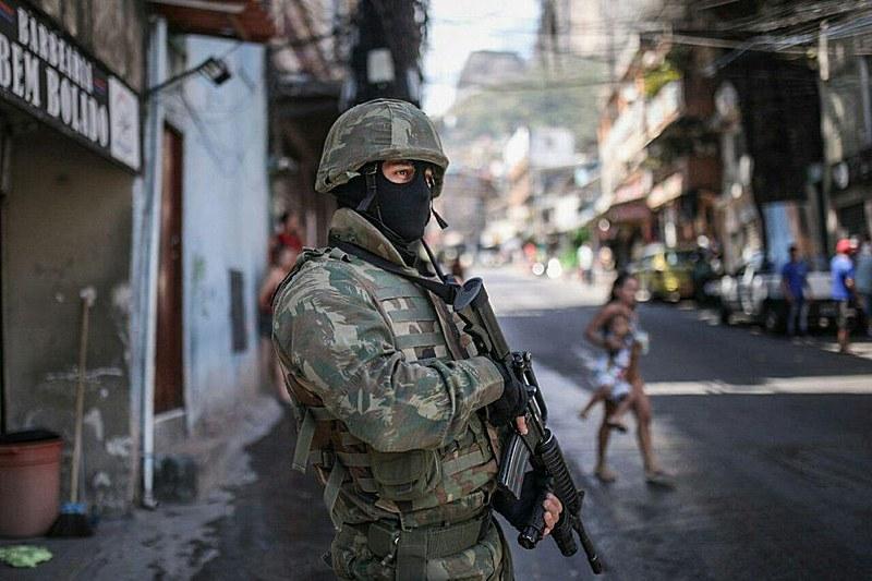 Envio de tropas federais ao Rio de Janeiro teve início no último dia 19, após publicação de decreto presidencial