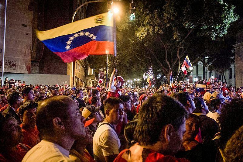 Disponível em português, espanhol e inglês, a publicação traz também uma análise sobre a interevenção dos EUA na Venezuela
