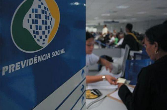 Em artigo para o Brasil de Fato, o senador Paulo Paim explica impactos da reforma de Temer para a classe média