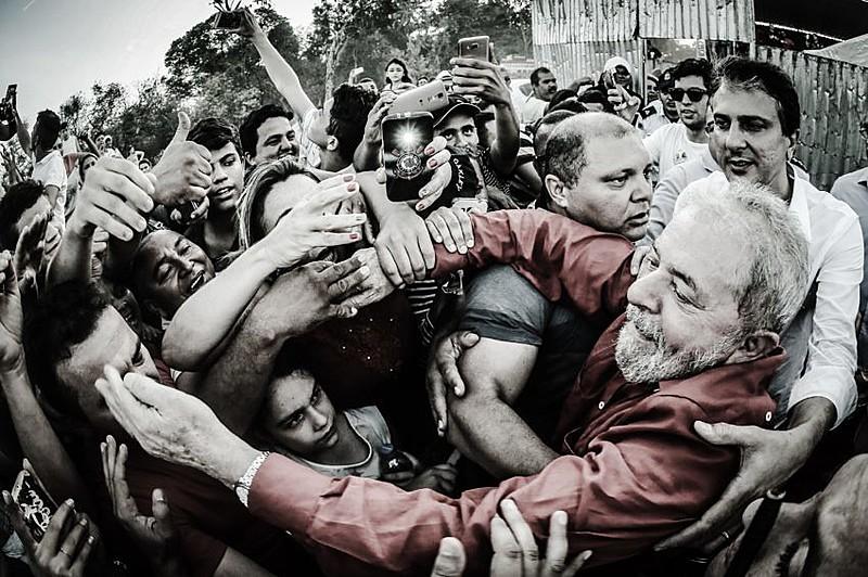 """""""Abriram mão de organizar essa massa, de levá-la a superar o populismo e fazê-la ver que ela deve depender de suas próprias forças""""."""