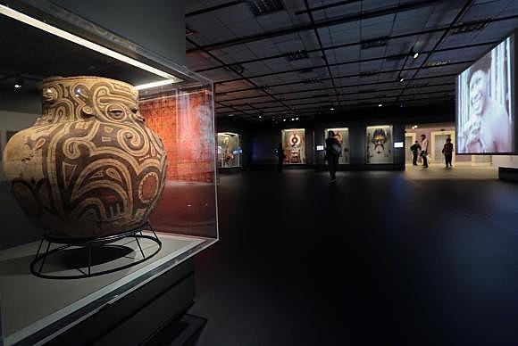 Exposição no Sesc de Pinheiros sobre adornos do Brasil indígena ficará aberta até 8 de janeiro de 2017