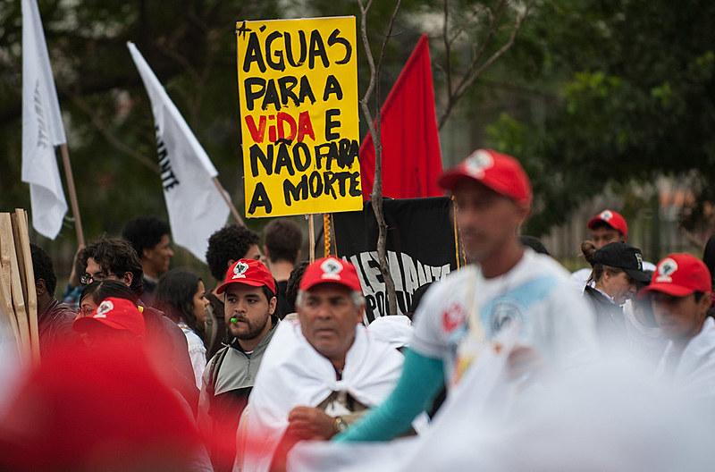 Grandes grupos empresariais orquestram um plano de privatização completa da água