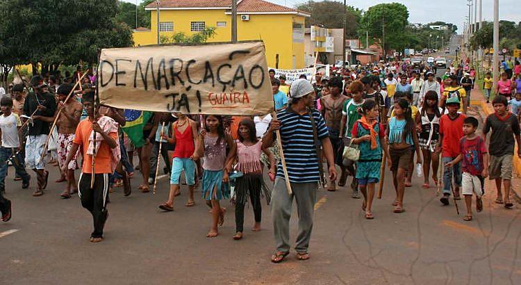 Líder Pataxó é assassinado e indígena Ava-Guarani sofre atentado ao sair de uma reunião na Funai