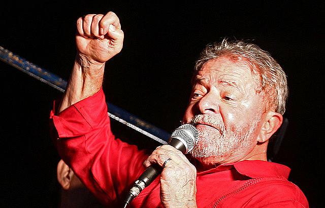Señalado como el presidenciable favorito en las encuestas de opinión, Lula tiene el mayor capital político del país