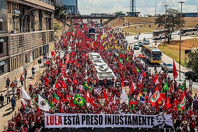 """""""Una mentira no es capaz de destruir una relación de 40, 50 años, con el pueblo brasileño"""", dijo Haddad, candidato a vicepresidente de Lula"""