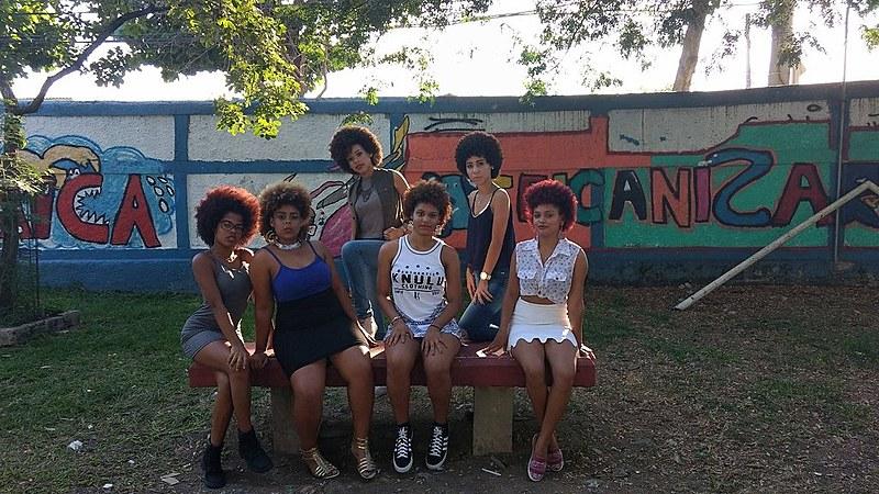 Estudantes do Rio ganham prêmio com projeto que valoriza cabelo black