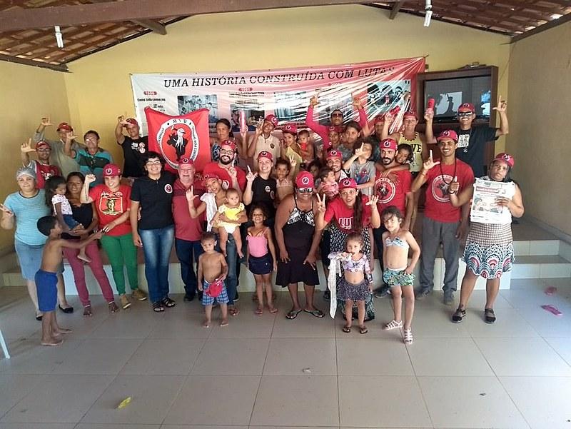 Mais de 30 lideranças do MTD se reuniram, na sede social do Sintricom, em Santa Rita, para pensar sobre política e moradia.