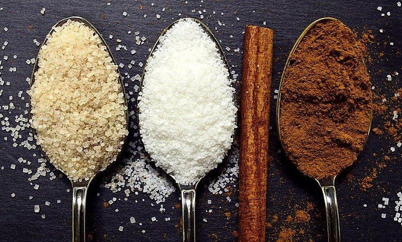 O ideal é consumir os alimentos sem adição de açúcar, para ter a percepção total do sabor da comida.