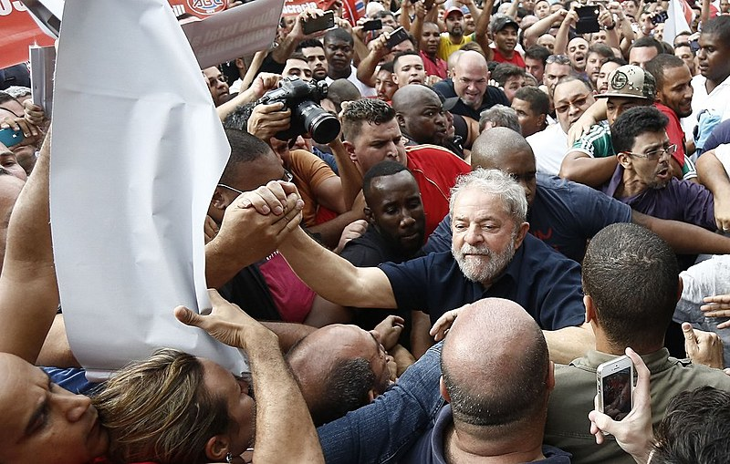 A defesa do ex-presidente pediu a liberdade de Lula para que ele tivesse seus direitos de pré-candidato garantidos