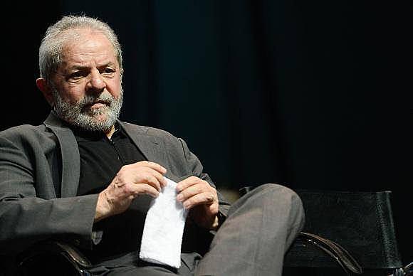 Lula es acusado de ser dueño de um departamento en Guarujá, costa de São Paulo.