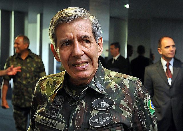 """Augusto Heleno, militar partidario de Bolsonaro: """"Esa historia de reclamar un programa de gobierno es una farsa"""""""