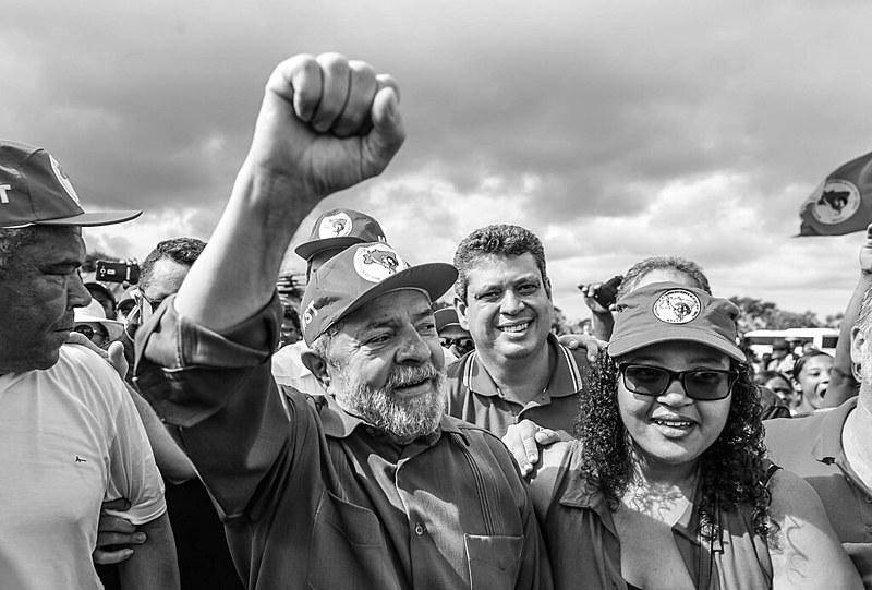 Lula no Assentamento Valdir Macedo, do MST, durante a caravana pelo Nordeste