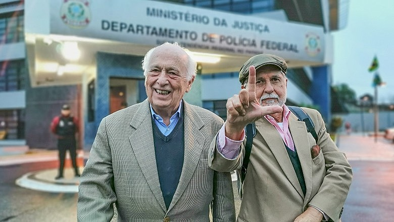 Bresser-Pereira e Celso Amorim visitaram Lula nesta quinta-feira (16) em Curitiba (PR) e alertaram para ameaça à soberania do país