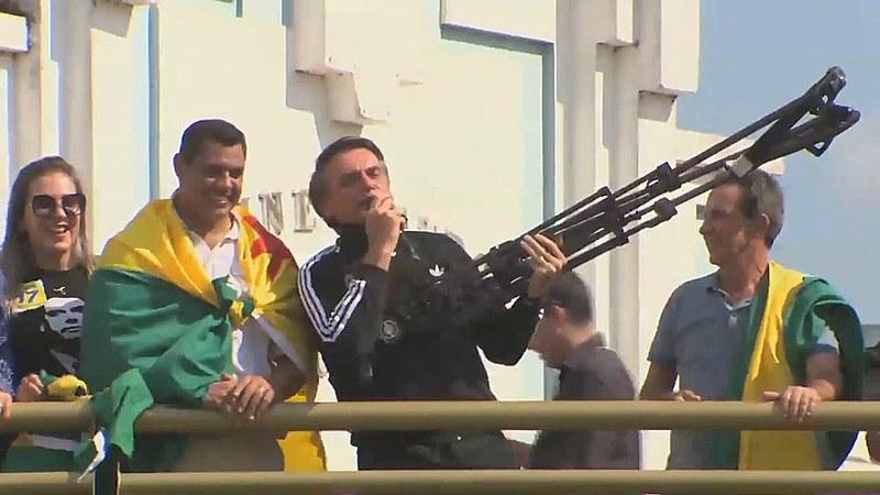 A direita no Brasil e na América Latina construiu um temor à ameaça comunista, mesmo isso sendo apenas uma fantasia