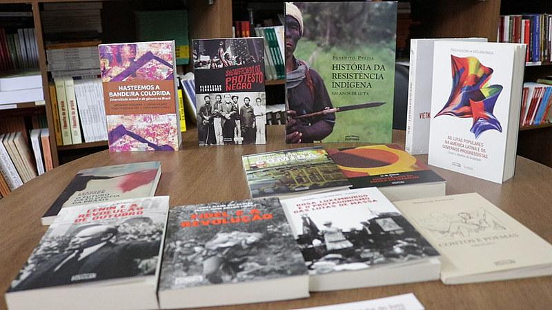 A editora Expressão Popular tem 20 anos e recentemente lançou o Clube do Livro e tem aumentado o número de assinantes.