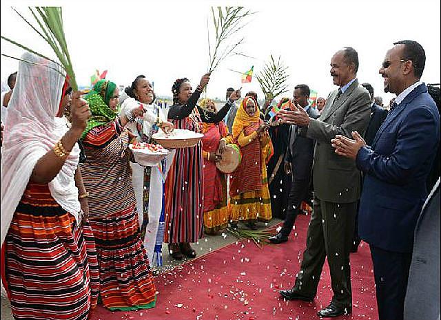 Líderes dos países vizinhos se encontraram para assinar tratado de paz histórico e restabelecer relações diplomáticas