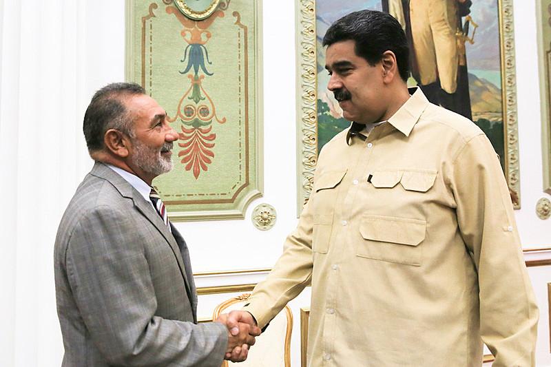 Senador Telmário Mota (PROS-RR) se reuniu com o presidente venezuelano, Nicolas Maduro, para tentar restabelecer relação entre os países