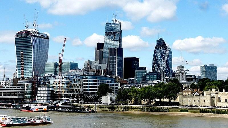 Centro financeiro de Londres; atual sistema de tributação aumenta desigualdade