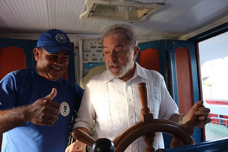 Gisilmo não se afastou do leme em nenhum momento durante a travessia entre Neópolis (SE) e Penedo (AL).