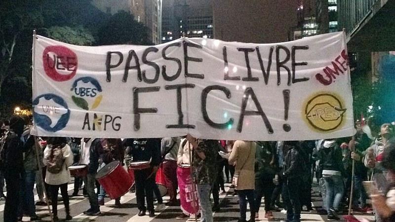 Protesto contra redução do passe livre estudantil, em São Paulo