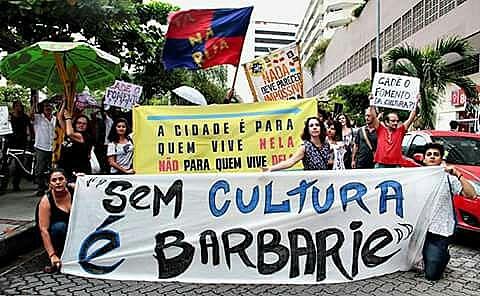 Em resposta ao posicionamento da Secretaria Municipal de Cultura, um grupo de artistas, se uniupara construir um movimento de resistência