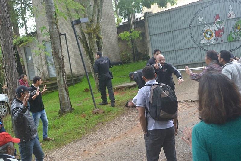 Policiais civis invadem Escola Nacional Florestan Fernandes, em Guararema, interior de São Paulo