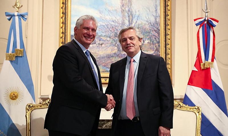 Presidente argentino recém-empossado se reuniu com presidente cubano nesta quarta-feira (11)