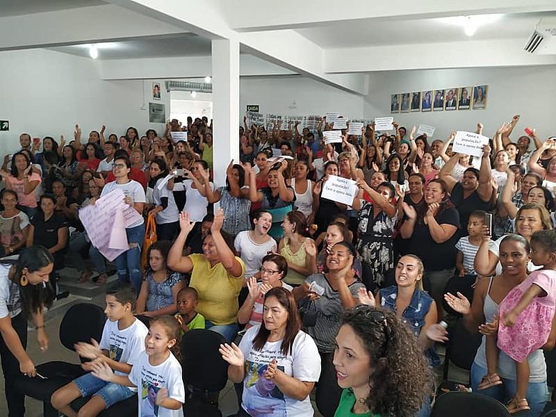 No último dia 28, moradores de Mário Campos lotaram a Câmara Municipal em solidariedade à vereadora