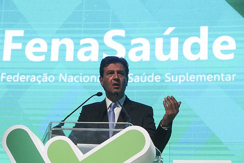 O ministro Mandetta durante evento dos operadores privados de saúde