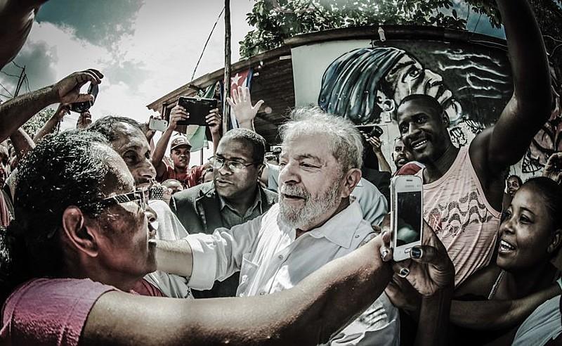 Ex-presidente em visita a ocupação Izidora, em Belo Horizonte (MG), no último mês
