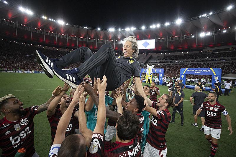 Elenco do Flamengo parte para a disputa da competição mais importante da temporada