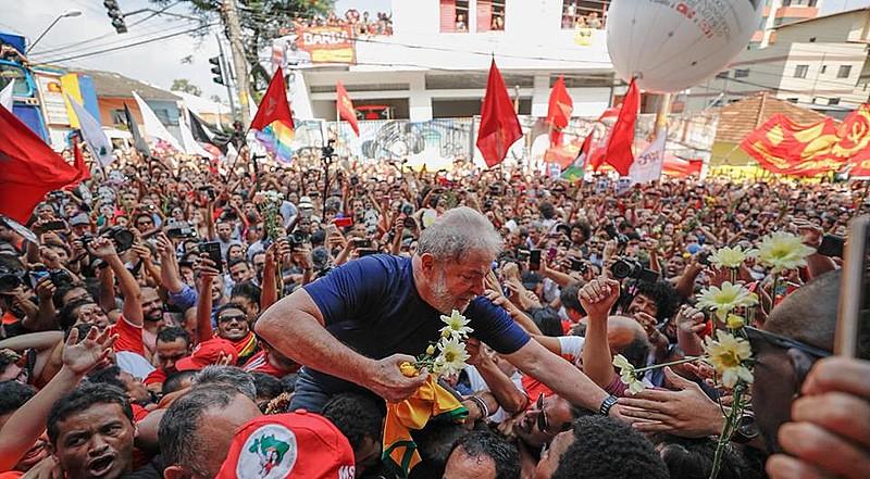 Lula era líder nas intenções de voto para a presidência da República, em 2018, quando teve a candidatura impugnada