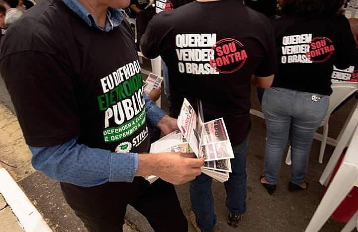 Mobilização de trabalhadores contra a venda Eletrobras em Brasília