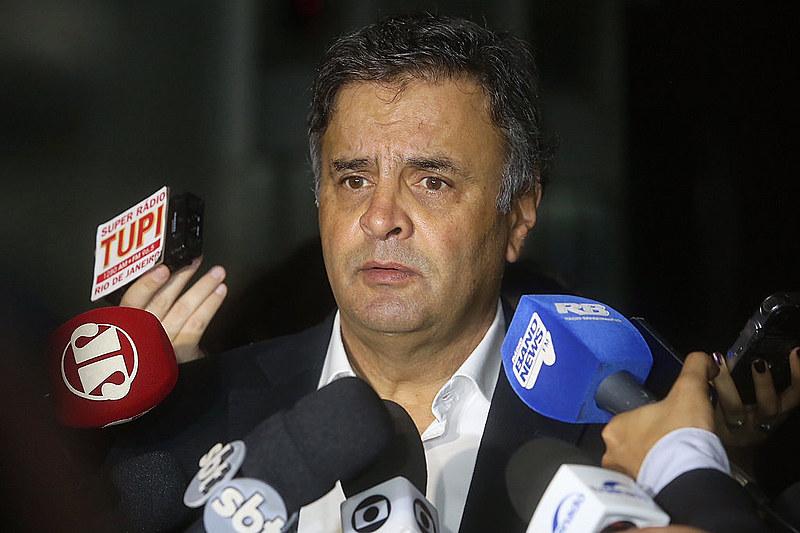 Acusado de corrupção e obstrução de Justiça, o tucano foi afastado das atividades parlamentares no último dia 26 por decisão da Corte