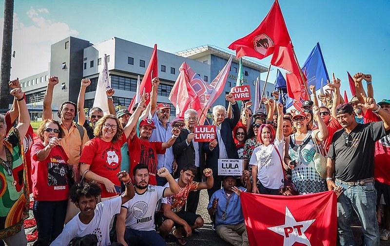 Okamotto e Chinaglia visitaram o ex-presidente Lula nesta quinta (6), em Curitiba (PR)