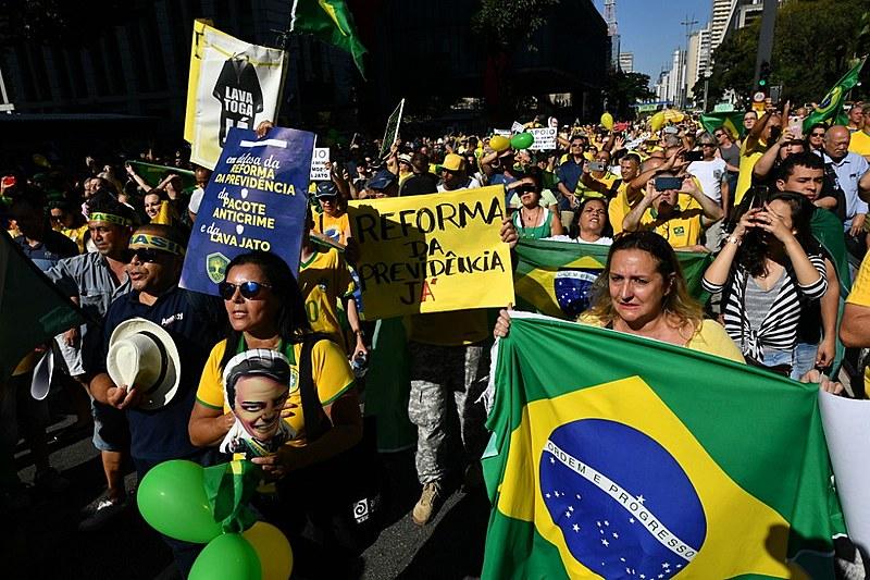 O presidente Jair Bolsonaro (PSL) recebeu apoio de manifestantes no Rio, em São Paulo, Brasília e algumas outras cidades