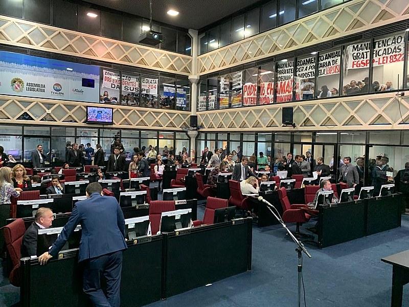 Em 24h, parlamentares voltaram atrás de decisão que garantia autonomia do Copen; A lei segue para sançãodo governador