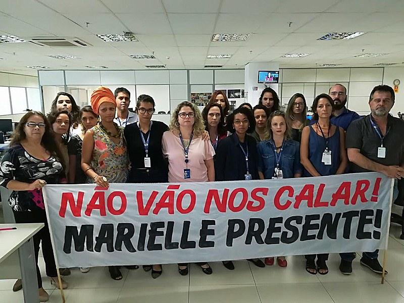 Jornalistas da EBC durante protesto contra censura à divulgação de matérias sobre caso da vereadora Marielle Franco (PSOL-RJ), em 2018