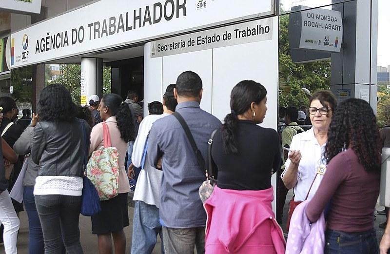 Entre desempregados, subocupados, desalentados e pessoas que não estão ocupadas por outros motivos, Brasil tem 28,3 milhões de subutilizados