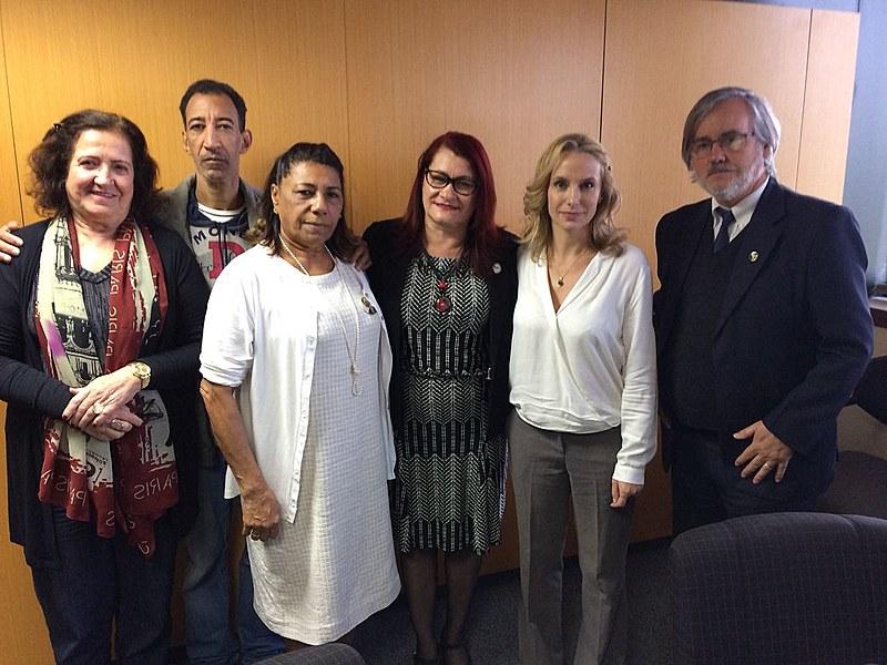 Marinete e Carol Proner relataramuma visita tranquila com o Papa Francisco e a preocupação do pontífice com as violações de DH no Brasil