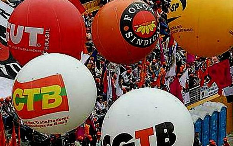 Enquanto fazem atos nas ruas, os sindicalistas abrem negociação no Parlamento e tentam conter iniciativas do STF em questões trabalhistas, em temas como terceirização.