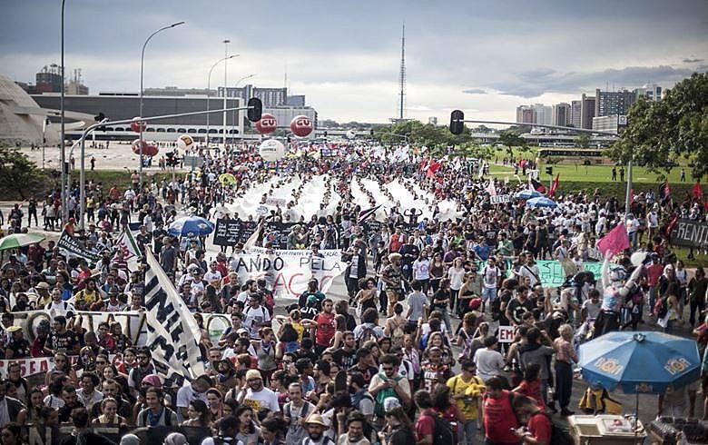 No último dia 29, milhares de pessoas ocuparam a Esplanada dos Ministérios