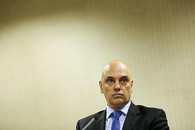 Ministro Alexandre de Moraes decidiu destinar R$ 2,6 bi do que foi recuperado pela Lava Jato para Educação, Ciência e Amazônia