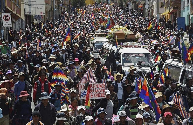 """""""Vamos descer vestidos de preto e vamos caminhar com nossos mortos"""", disse um dos dirigentes do movimento"""