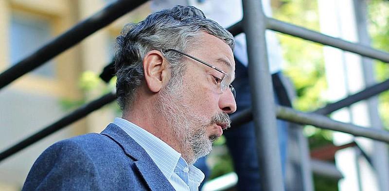 Ex-ministro Antonio Palocci deve ficar livre, mesmo tendo confessado crimes de corrupção e lavagem de dinheiro.