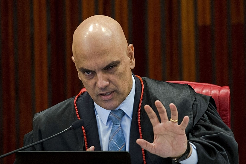 Alexandre de Moraes suspende nomeação de Ramagem para | Política