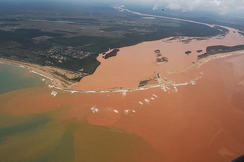 Água do Rio Doce passou a conter uma concentração de alumínio seis vezes acima do limite