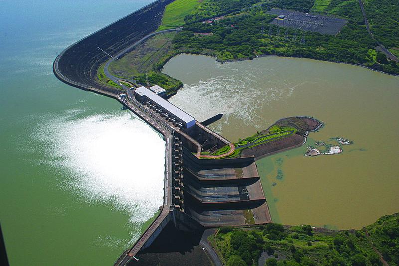 O presidente da empresa, Bernardo Salomão, afirma que os custos do arremate, que podem chegar a R$ 55 bilhões